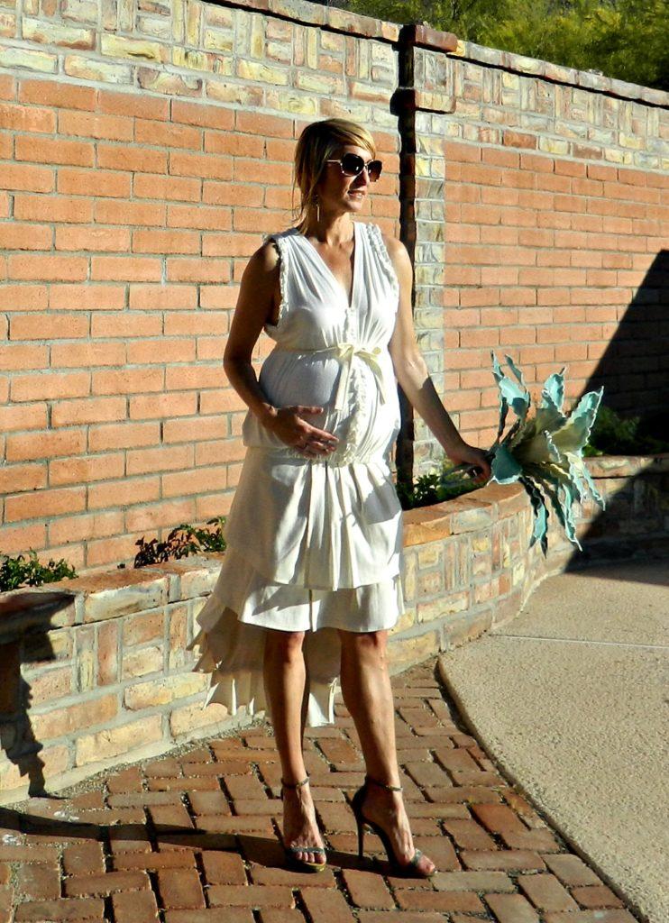 pregnancy wedding dresses